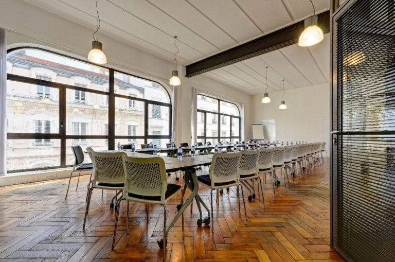 5 MEETING ROOMS
